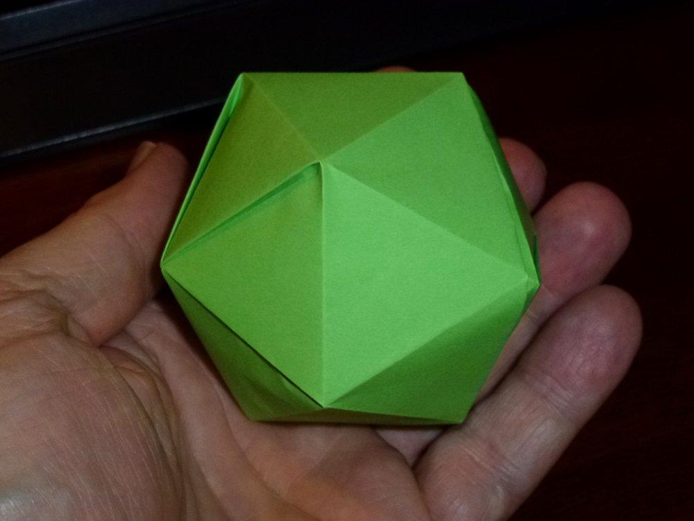 227IcosahedralPrismHideoKumayamaScale