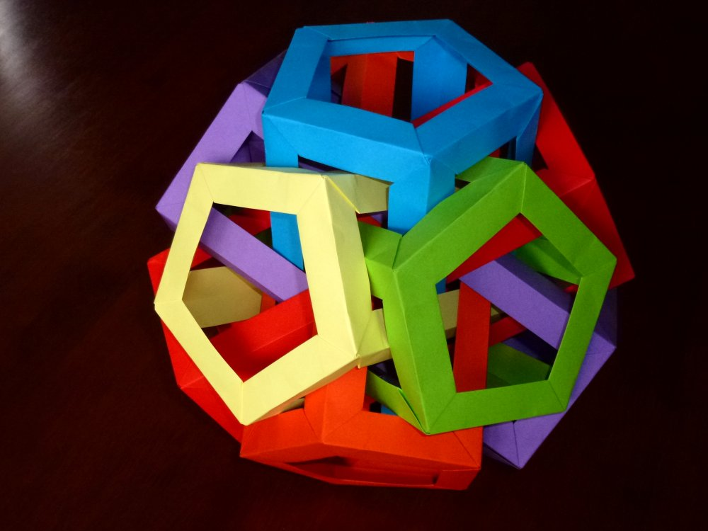6 intersecting pentagonal prisims
