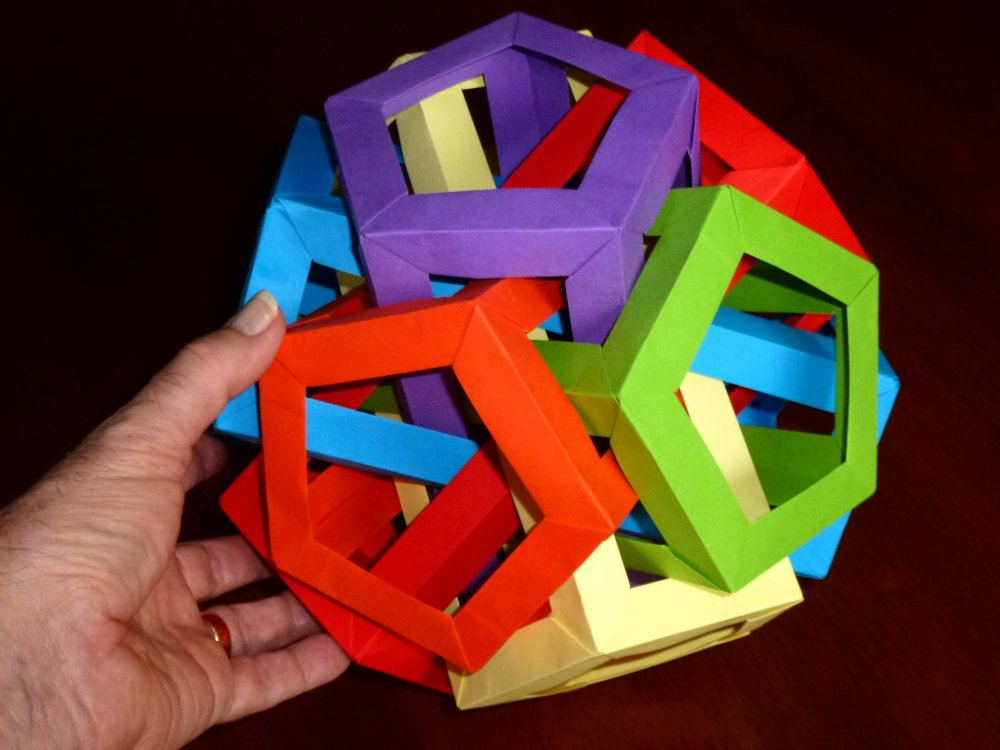 6 intersecting pentagonal prisims scale